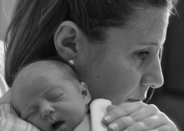 mother-and-newborn-baby-3005